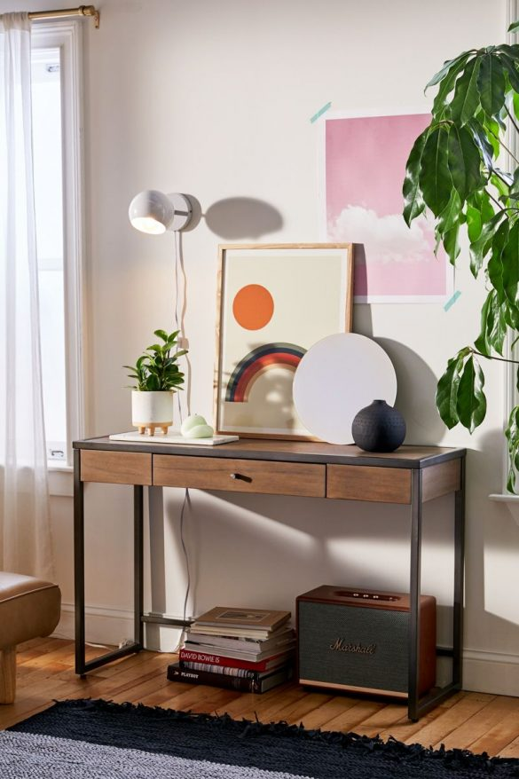 How to Style an Entryway Table